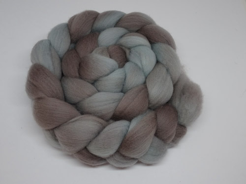 Semi Solid Merino Roving No 711-